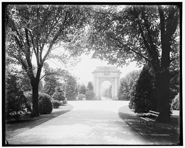 The entrance to the Chattanooga National Cemetery in about 1902.  Courtesy of the Library of Congress.